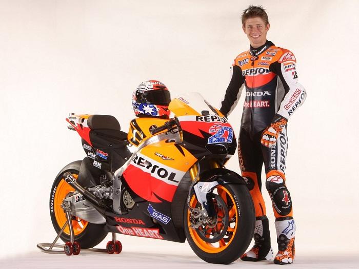 2011-Honda-Repsol-MotoGP-Casey-Stoner.jpg